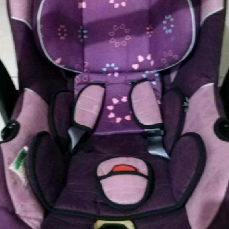 Az kullanılmış temiz ana kucağı,bebek oto koltuğu